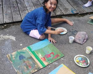 Some to outdoor art-making